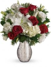 A Christmas Kiss by Teleflora